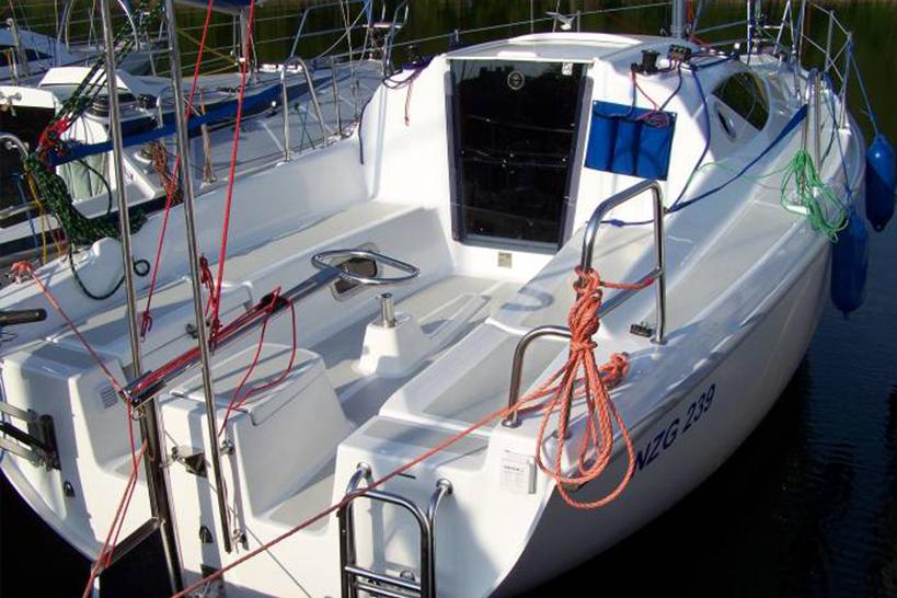 Czarter Jachtu Antila24 Mazury